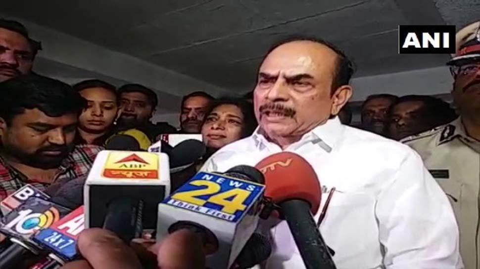 डॉक्टर की रेप-हत्या पर तेलंगाना के गृह मंत्री का बेतुका बयान, फिर कहा- 'वो मेरी बेटी की तरह थी'