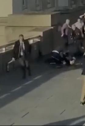 लंदन में आतंकी हमला, संदिग्ध को मार गिराया