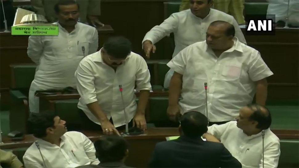 LIVE: उद्धव सरकार ने महाराष्ट्र विधानसभा में बहुमत साबित किया, 169 विधायकों ने समर्थन जताया