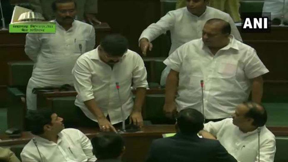 वो 4 विधायक, जिन्होंने महाराष्ट्र विधानसभा में उद्धव ठाकरे का समर्थन नहीं किया...