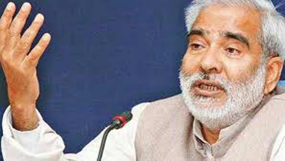 बिहार: रघुवंश प्रसाद सिंह के बयान ने मचाई सियासी हलचल, आरजेडी ने किया खंडन
