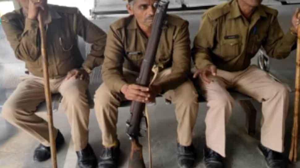 पहले विश्व युद्ध में इस्तेमाल की गई राइफल को UP पुलिस कहेगी बाय-बाय, मिलेगी इंसास और SLR