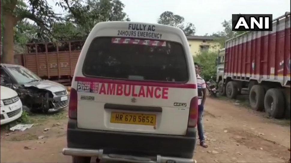 एंबुलेंस में तस्करी, मरीज बनकर लेटा था आरोपी, पुलिस ने ली तलाशी तो मिला 40 किलो गांजा