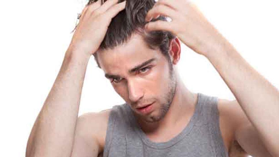 पुरुष यूं कर सकते हैं अपने बालों की देखभाल, जानिए आसान और घरेलू टिप्स...