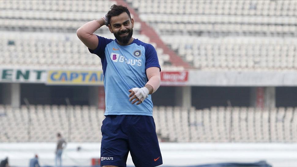 IND vs WI: वेस्टइंडीज के मुख्य कोच फिल सिमंस बोले, 'हमारे गेंदबाज कोहली से नहीं डरते'