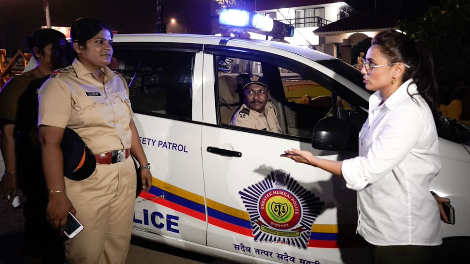 देर रात पुलिस की पेट्रोलिंग टीम से मिलीं रानी मुखर्जी, ऐसे बढ़ाया हौसला!