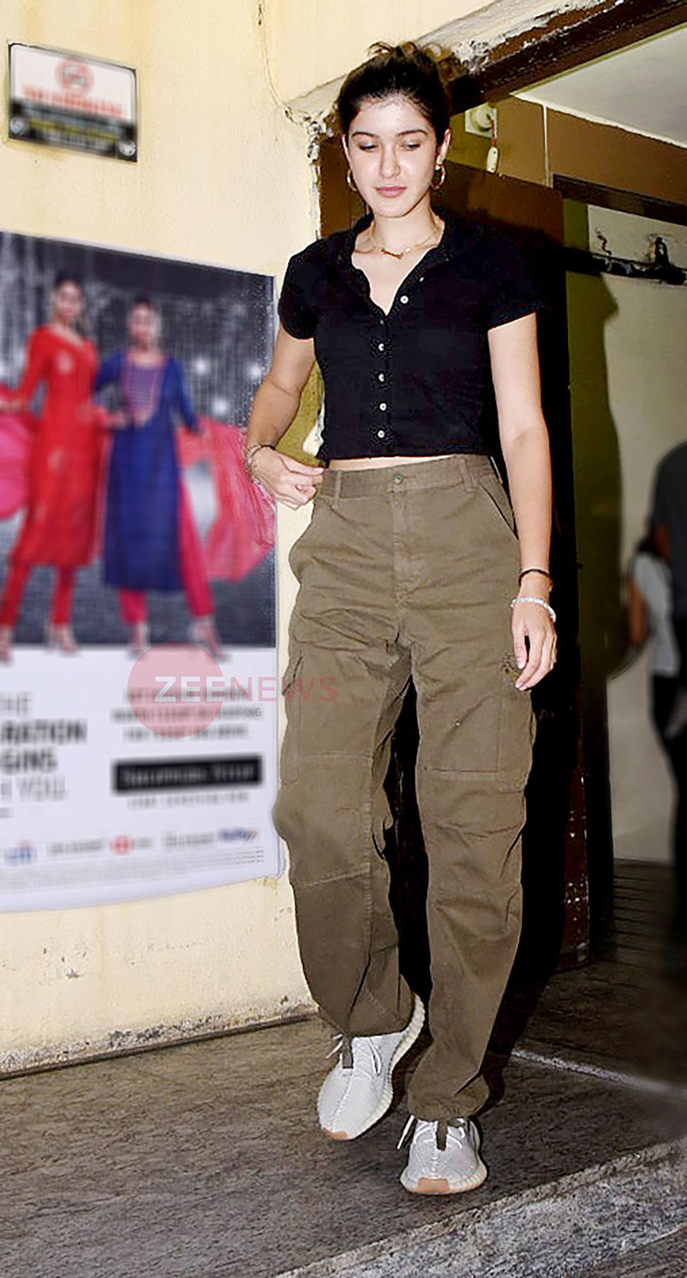 If Karan Johar directs, my tears will spill over: Shanaya Kapoor