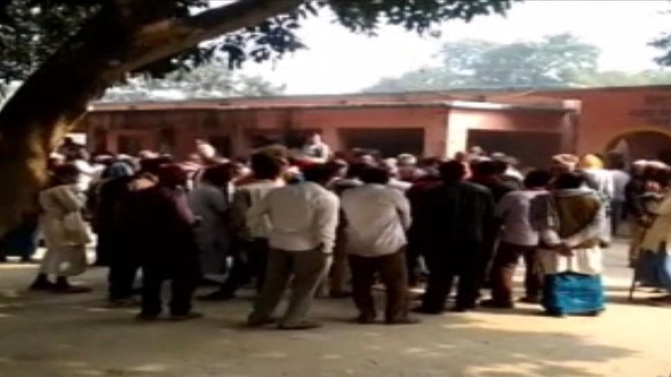फारबिसगंज: पैक्स चुनाव के दौरान समर्थकों ने मचाया हंगामा, 3 घंटे बाद शुरू हुआ मतदान