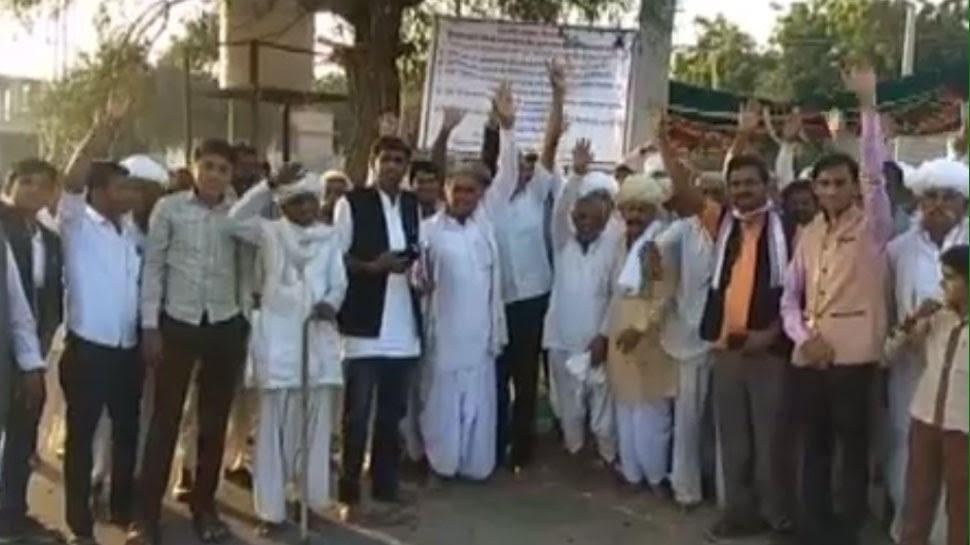 जालोर में पानी की मांग को लेकर किसानों का नौ दिन से धरना जारी