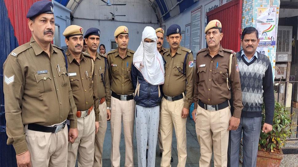 दिल्ली: DRDO चेयरमैन की बेटी से चलती ट्रेन में लूटपाट, 4 घंटे में ही पकड़ा गया आरोपी