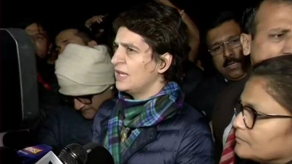 जामिया मामला: इंडिया गेट पर प्रियंका गांधी का धरना खत्म, बोलीं- छात्र देश की आत्मा हैं