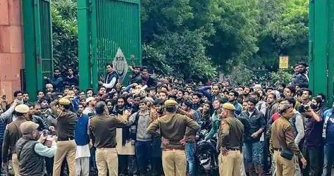 जामिया प्रदर्शनः साकेत कोर्ट ने 6 आरोपियों को 14 दिन की न्यायिक हिरासत में भेजा
