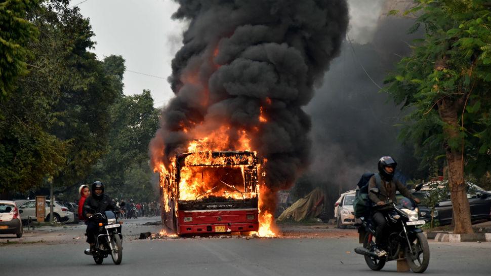 दिल्ली में हुए दंगों के पीछे क्या कांग्रेस और आम आदमी पार्टी की मिलीभगत है?