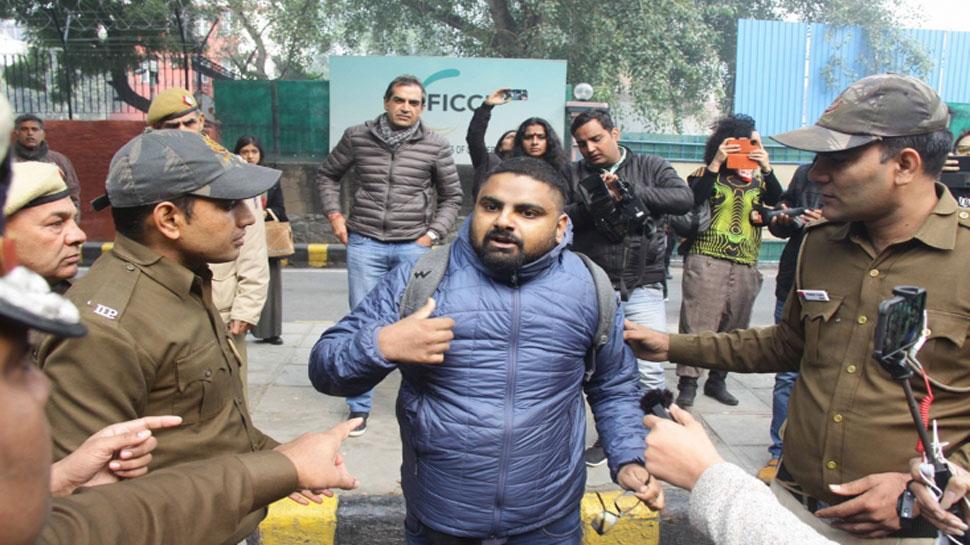 CAA Protest LIVE: दिल्ली की सभी मस्जिदों के इमामों के साथ दिल्ली पुलिस अधिकारियों ने की बैठक