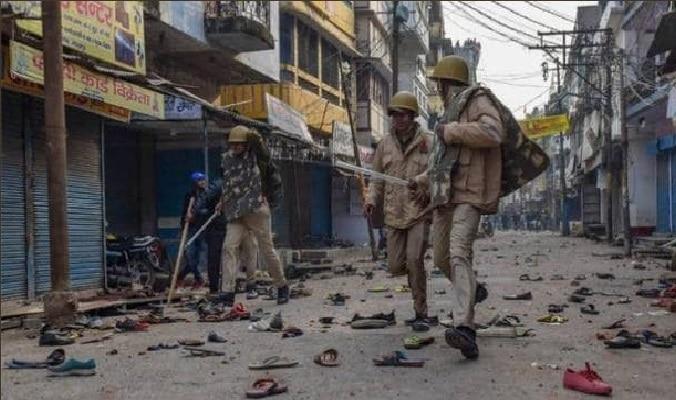 नागरिकता कानून: मेरठ में दंगाई बेलगाम, कई जगह किया हिंसक प्रदर्शन
