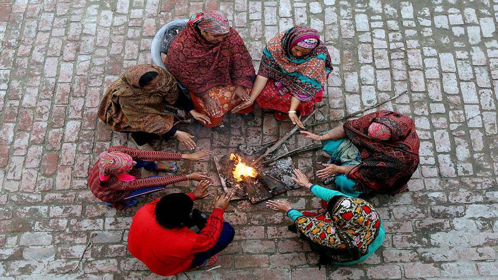 दिल्ली-एनसीआर समेत पूरे उत्तर प्रदेश में ठंड का प्रकोप, 6 डिग्री तक लुढ़का पारा