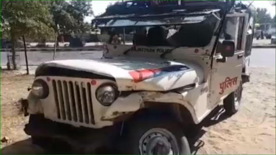 जोधपुर: शराबियों ने दौड़ाई बोलेरो, टक्कर में पुलिस की गाड़ी पलटी
