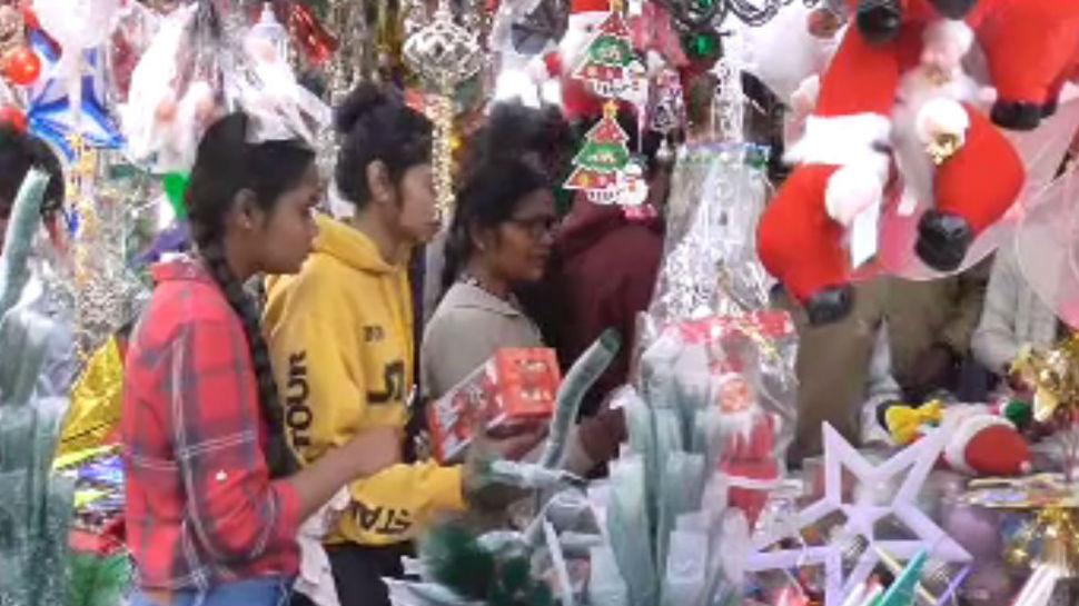 झारखंड: रांची में क्रिसमस की धूम, तरह-तरह के सामान से सज गए बाजार