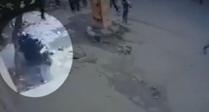 दिल्ली पुलिस ने जारी किए जामिया प्रदर्शन के सीसीटीवी फुटेज, बस जलाते दिखे प्रदर्शनकारी