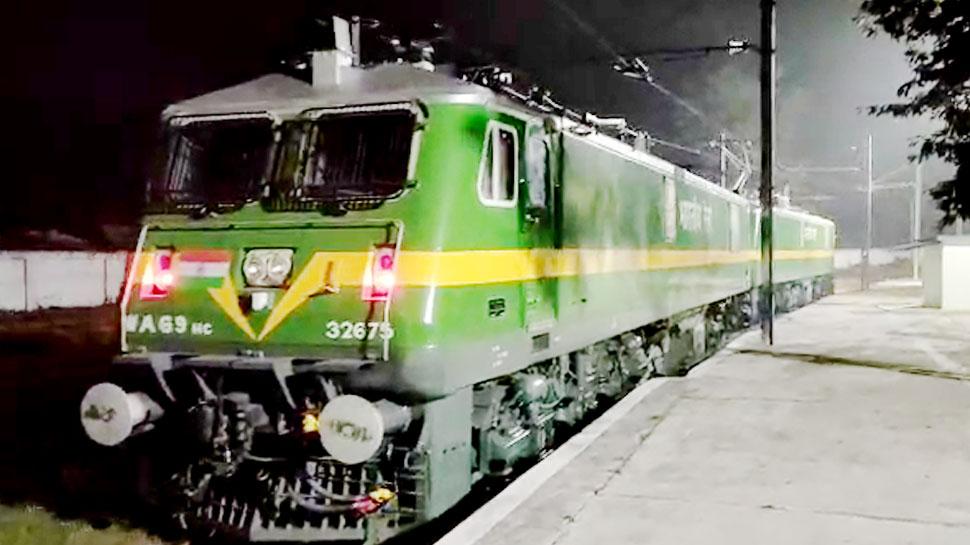 भारतीय रेलवे की बड़ी उपलब्धि, 216 दिनों में बना डाले 300 इंजन, ट्रेनों को मिलेगी 'रफ्तार'