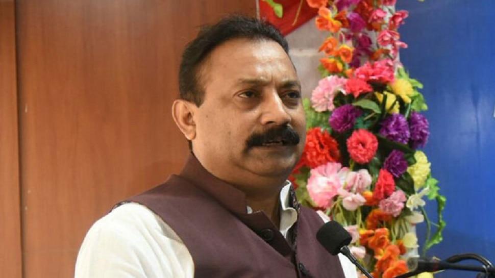 बिहार: मंत्री अशोक चौधरी बोले- रघुवर दास को जयचंद के बारे में बेहतर पता होगा