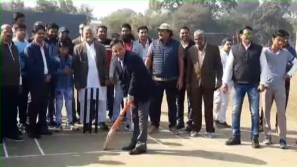 झालावाड़: शुरू हुई दशरथ सिंह झाला क्रिकेट प्रतियोगिता, रणजी खिलाड़ी भी ले रहे हिस्सा