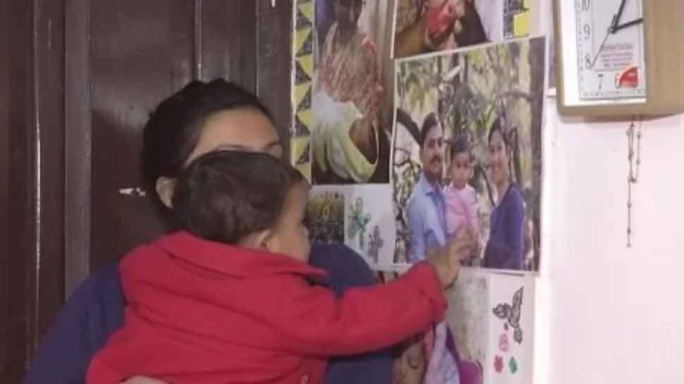 वाराणसी: CAA Protest में मां-बाप गए जेल, डेढ़ साल की मासूम का रो रोकर बुरा हाल