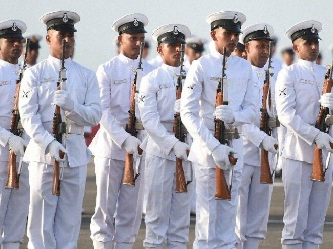 भारतीय नौसेना कर्मियों का सोशल मीडिया यूज करना हुआ बंद