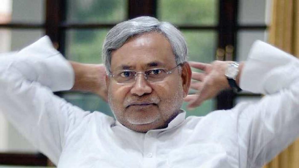 बिहार: नीति आयोग की रिपोर्ट पर गरमाई सियासत, RJD ने नीतीश सरकार पर कसा तंज