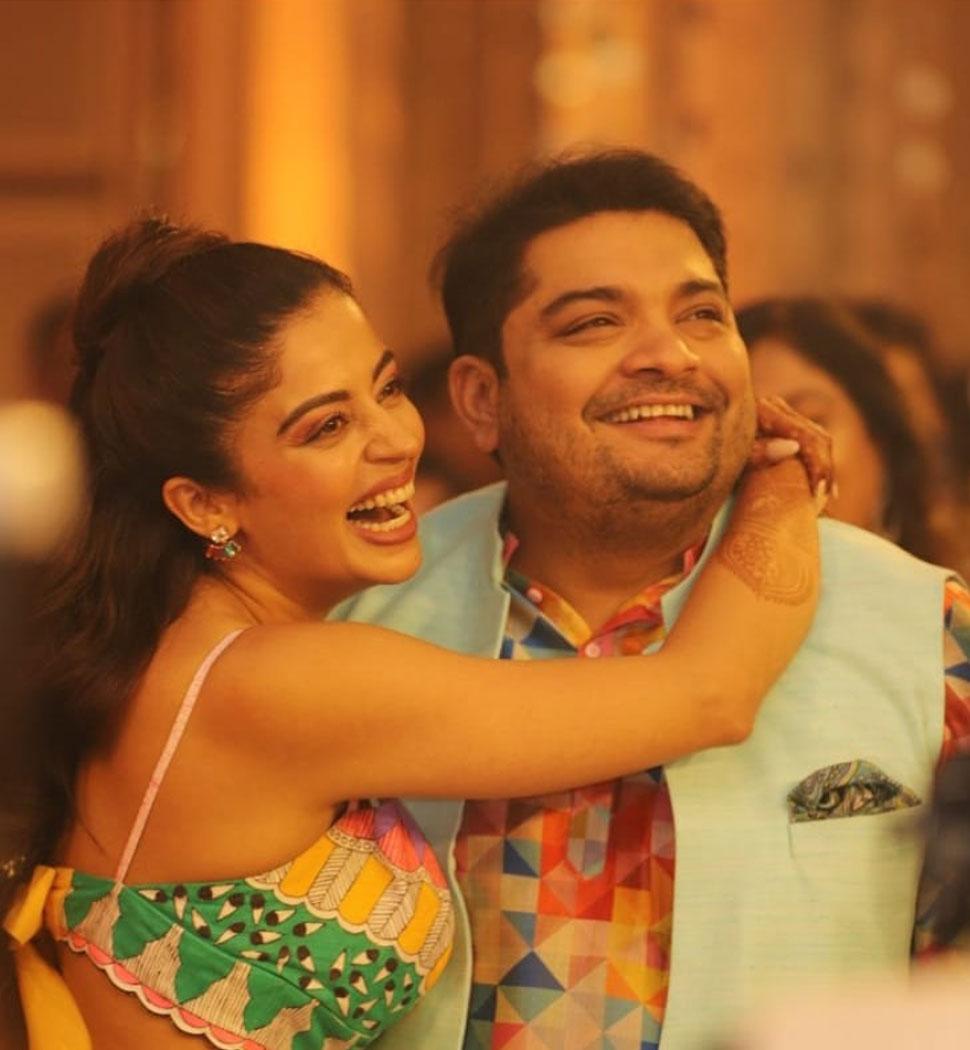 Neha Pendse enjoys her mehndi and sangeet ceremoney with fiance shardul singh bayas