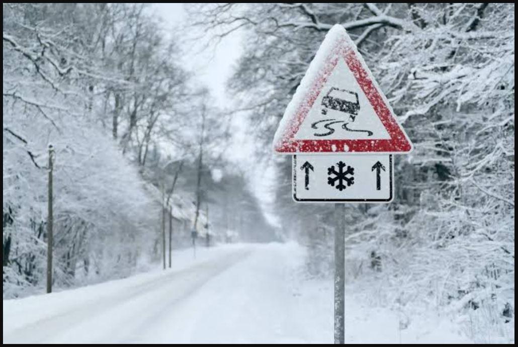 देश के कई हिस्सों में 'बर्फ की बारिश'! ठंड की वापसी के संकेत