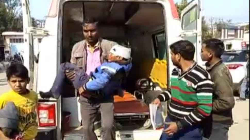 शाहजहांपुर: कार और पिकअप की भिड़ंत में 1 की मौत, 6 गंभीर रूप से घायल