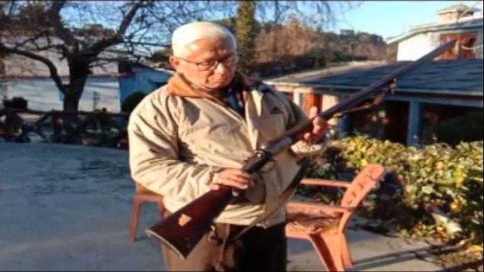 वन्य जीव प्रेमी ने संजोकर रखी है 'जिम कॉर्बेट' की ऐतिहासिक बंदूक, जानिए कैसे मिला था ये खजाना