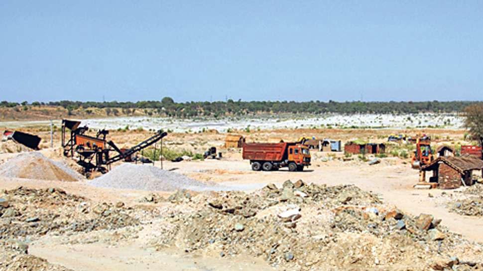 भीलवाड़ा में टास्क फोर्स ने किया बजरी माफियाओं के गिरोह का खुलासा, 3 डंपर जब्त