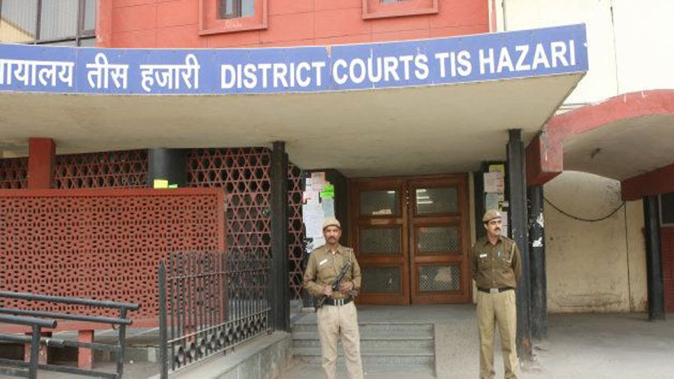 दिल्ली पुलिस पर कोर्ट सख्त, पूछा- 'आप ऐसे बर्ताव कर रहे हैं, जैसे पाकिस्तान में हैं'