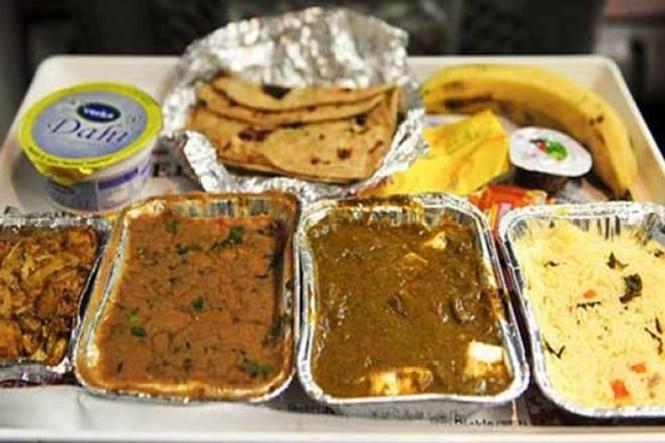 ट्रेन में परोसा खराब खाना, देना पड़ गया 1 लाख रुपये का जुर्माना