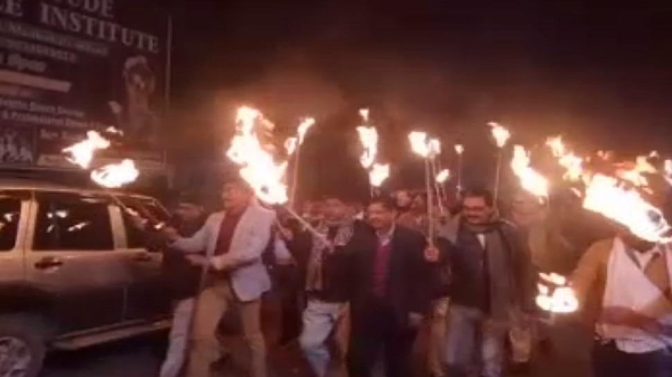 मधुबनी: मानव श्रृंखला को लेकर प्रशासन ने निकाला जुलूस, DM-SP समेत कई आला अधिकारी रहे मौजूद