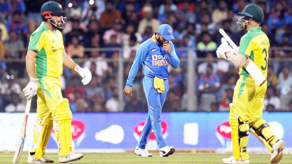 VIDEO: भारत-ऑस्ट्रेलिया मैच में दिखा CAA, NRC विवाद, जवाब में लगे 'मोदी-मोदी' के नारे