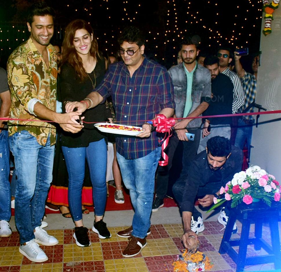 kriti sanon vicky kaushal nushrat bharucha etc at mukesh chhabra new office opening in versova