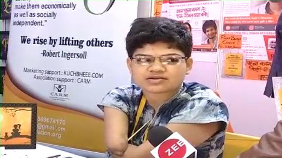 जयपुर लिटरेचर फेस्टिवल में चर्चा का विषय बना दिव्यांग मोहिनी का स्टॉल, जानें हुनर की कहानी