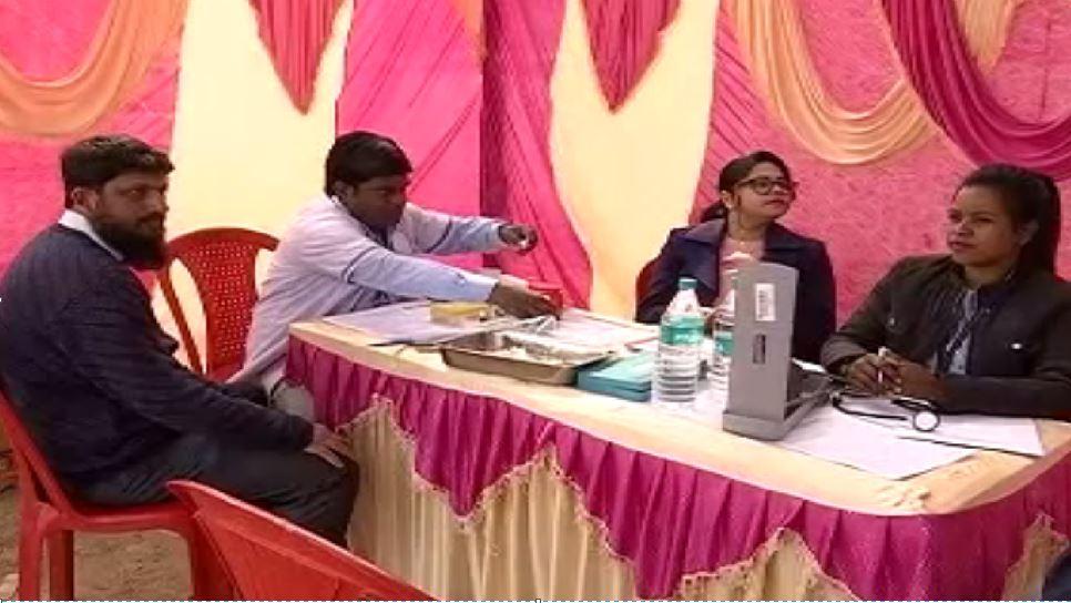 CAA के खिलाफ प्रदर्शन पर बैठे लोगों ने किया रक्तदान, कहा- सामाजिक जिम्मेदारी निभाना जरूरी