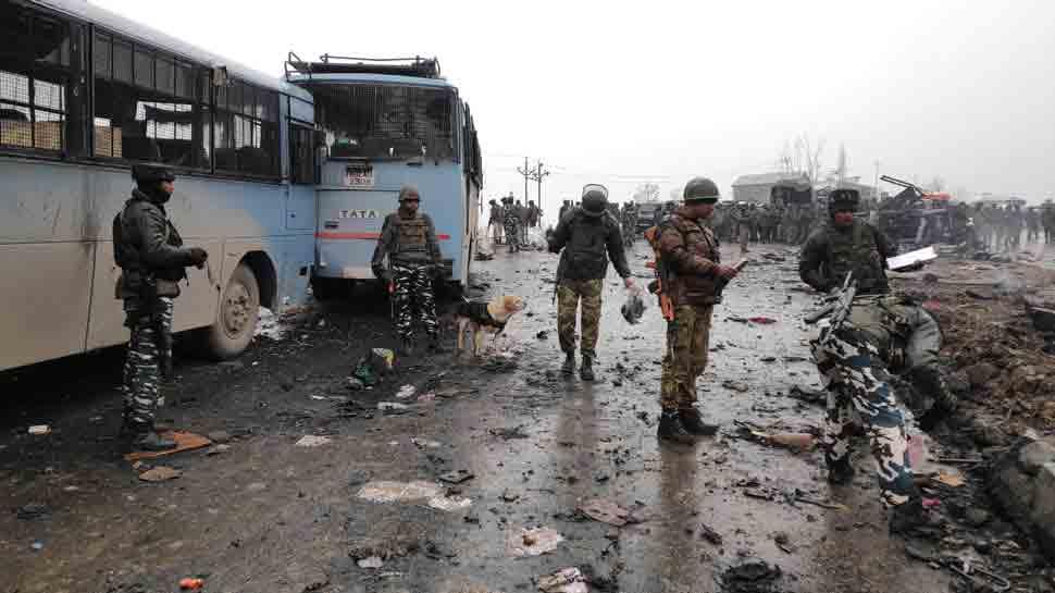 पुलवामा हमला: शहीदों के याद में बनाई गई वाटिका, लगाए गए 42 पौधे