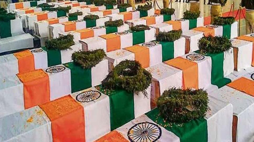 जानिए पुलवामा आतंकी हमले के एक वर्ष बाद कैसे हैं उत्तर प्रदेश के 12 शहीदों के परिवार