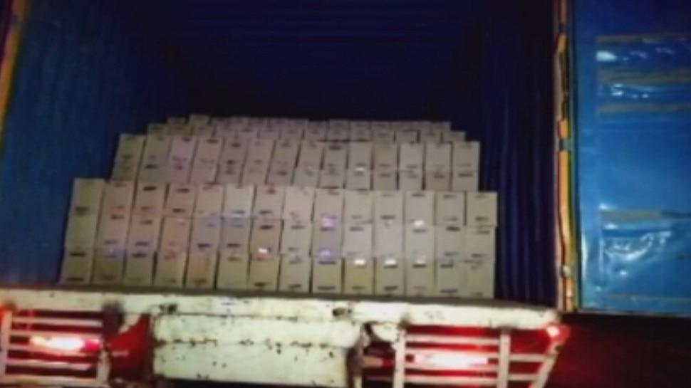 35 लाख के बिस्कुट से भरा ट्रक लेकर फरार बदमाशों को पुलिस ने किया गिरफ्तार