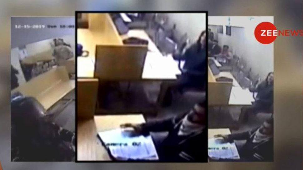 15 दिसंबर को आखिर जामिया की लाइब्रेरी में क्या हुआ था? सामने आया चौंकाने वाला VIDEO