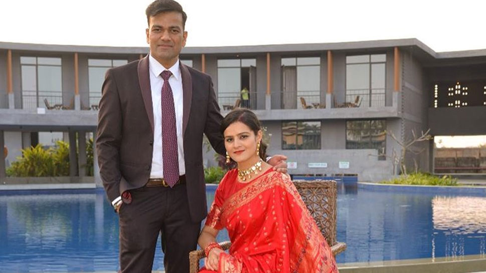 IAS and IPS couple married in office shared pictures on facebook