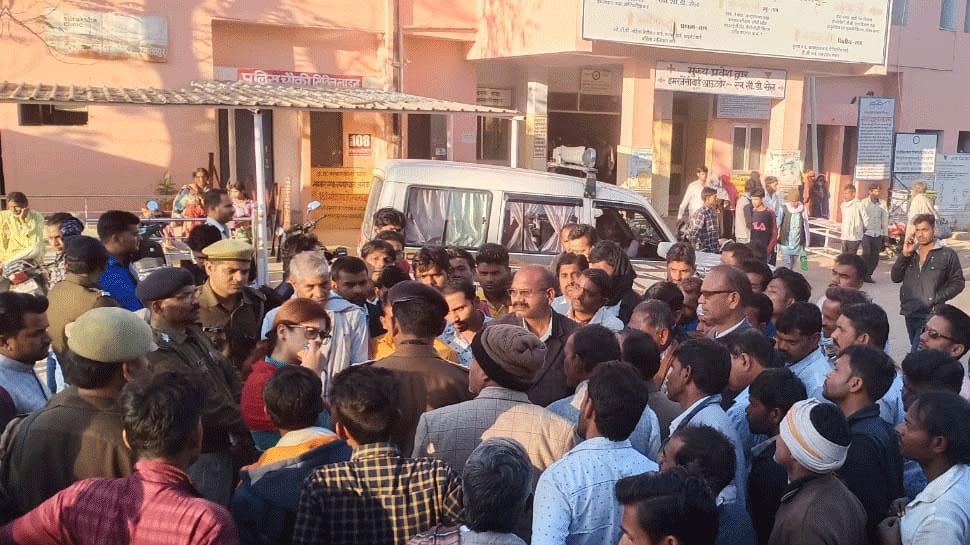 UP: पुलिस कस्टडी में युवक की मौत मामला में चौकी इंचार्ज समेत 4 पर केस दर्ज, दारोगा निलंबित