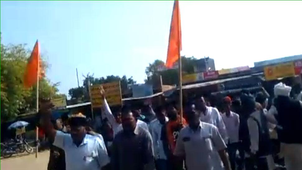 नागौर में दलितों के साथ हुई बर्बरता का शेरगढ़ में विरोध, भील समाज ने निकाली रैली