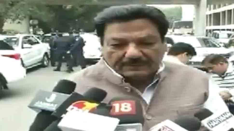 VIDEO: मंत्री ने कहा, 'दंगे तो होते रहे हैं...जिंदगी का हिस्सा हैं...होते रहते हैं'