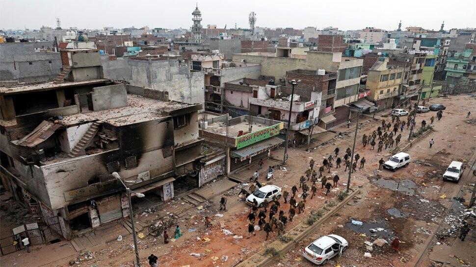 दिल्ली हिंसा: SIT ने शुरू की जांच, लोगों से मांगे सबूत, गृह मंत्रालय ने लिया हालात का जायजा